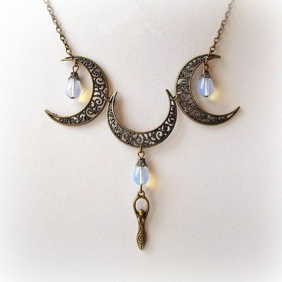 [Pre Order] Bronze Pagan Moon Goddess Necklace